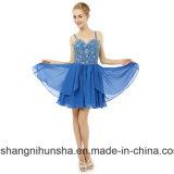 Eine Zeile gebördeltes Isolationsschlauch-Brücke-Chiffon- Qualitäts-Abschlussball-Kleid