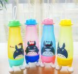 Tazza di vetro dell'acqua del regalo promozionale della bottiglia di acqua dei bambini di vetro della tazza bevente di sport creativo di figura
