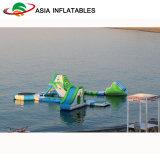 Sosta di galleggiamento gonfiabile esterna dell'acqua per la spiaggia dell'acqua aperta
