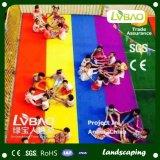 子供の運動場のための多彩な反紫外線人工的な草