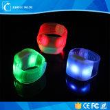 새로운 디자인 LED 팔찌 선전용 원격 제어 LED 팔찌 공장 Directflashing 팔찌