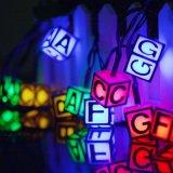 La chaîne de caractères actionnée solaire de DEL allume 6m 30 lumières extérieures imperméables à l'eau d'alphabet anglais de DEL pour la noce de maison de jardin