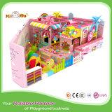 Playpark dei bambini dentellare di tema con il playhouse