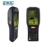 Biglietti tenuti in mano che controllano il lettore del codice a barre di PDA con la stampante della ricevuta, lettore dello Smart Card di RFID