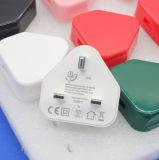 Taille de fiche BRITANNIQUE de 3 bornes la mini personnalisée colore le chargeur simple de 5V 2A USB