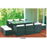 Bella mobilia del balcone del rattan del giardino con la Tabella di marmo