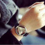 Das mulheres de esqueleto do relógio do triângulo do relógio de senhoras de Feminino relógio de pulso oco transparente delicado da cinta de couro