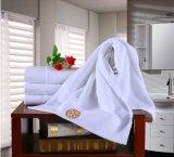 星のホテルの綿柔らかいY/Dの縞の浴室タオルのビーチタオル