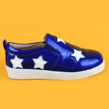 Blauer PU-weißer Stern-kühle beiläufige Kind-Turnschuhe für Mädchen