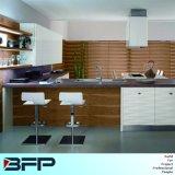 Einfache Küche L Form-Entwurf preiswerte hölzerne Venner Glastür-Möbel für Verkauf