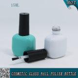 15ml botella de polaco de uñas de vidrio de color verde y blanco de menta con pincel negro de tapa