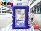 Надувная машина для денег на деньгах