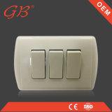 Interruttore elettrico di vendita caldo standard americano della parete dei 3 gruppi