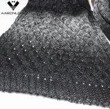 Модный космос изменения цвета зимы покрасил связанный шарф