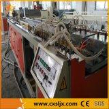 PVC que adorna la máquina de extrudado del perfil del panel