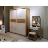 Witte Matte Lak Houten bereik-in de Kast van de Slaapkamer met het Meubilair van de Slaapkamer