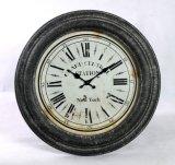 Grande orologio di parete antico rotondo dell'annata del metallo