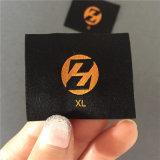 Custom 3.7*4.5cm 50d ultrasónico de alta densidad de vanguardia etiquetas tejidas