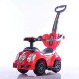 Automobile dell'oscillazione dei capretti con i giocattoli dell'automobile elettrica del bambino di musica