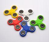 Vente chaude Tri-Spinner Fidgets jouet en plastique Fidget sensorielle Spinner pour bout du doigt le Gyro