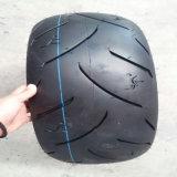Motorrad-Gummireifen und Gefäß