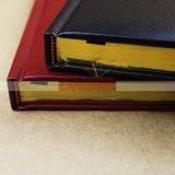 Подгонянная большая книга дневника тетради с краем золота