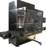 Máquina de rellenar automática en botella plástico del petróleo