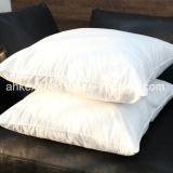 inserto del cuscino della piuma dell'anatra di bianco di 2-4cm con il tessuto di cotone