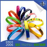 Bracelet estampé par bracelet personnalisé en caoutchouc de logo de silicones de mode