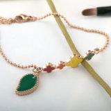 De mooie Vrouwen vormen de Armband van de Charme van de Bloem van de Parel van het Roestvrij staal van Juwelen