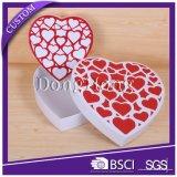 Rectángulo de empaquetado del favor de la boda del caramelo de papel en forma de corazón