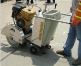 Machine de coupe de béton avec moteur à essence