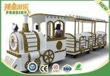 El parque de atracciones de los cabritos monta el tren eléctrico de Tracklesss para los juegos al aire libre