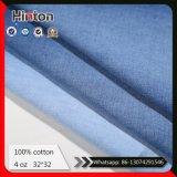 中国の熱い販売の製造業者32*32は4oz 100%年の綿のデニムファブリックを薄くする