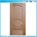 凸ラインか上げられた形成されたHDFのドアの皮