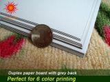 Placa duplex verso cinza com forte rigidez e excelente resistência de dobragem