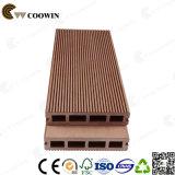 De houten Gelamineerde Bevloering Decking van de Tegel WPC van de Vloer