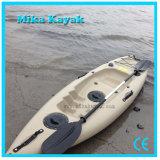 Un solo puesto de pesca en kayak canoa de fibra de vidrio baratos barcas de pedales