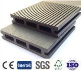 Il Decking composito di plastica di legno antisettico bianco, impermeabilizza la pavimentazione laminata, il rivestimento per pavimenti della piattaforma esterna, Decking di WPC