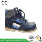 La salud de la tolerancia calza los zapatos del cabrito de los zapatos de los niños