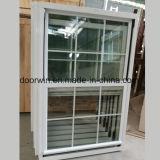 American solo salto térmico colgado de la ventana de aluminio