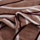 Мягкое теплое одеяло фланели ватки полиэфира