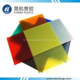 Hoja plástica amarilla del material para techos del policarbonato con la capa ULTRAVIOLETA
