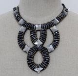 De vrouwen vormen Halsband van de Kraag van het Kristal van de Namaakbijouterie de Vierkante Ruige (JE0153)
