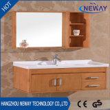 Тщеты ванной комнаты твердой древесины высокого качества установленные стеной