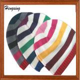Casquillos y sombreros hechos punto bordado de encargo de la gorrita tejida