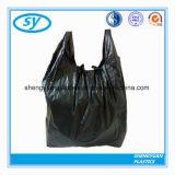 Type noir en gros sac de gilet d'ordures de sac de main