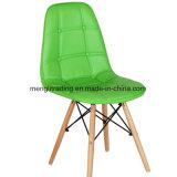 レストランのための椅子のプラスチック椅子を食事する木足