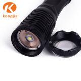 Venda a quente zoom potente recarregável de alumínio T6 Lanterna tática