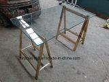ガラスのダイニングテーブルを和らげるモデル足